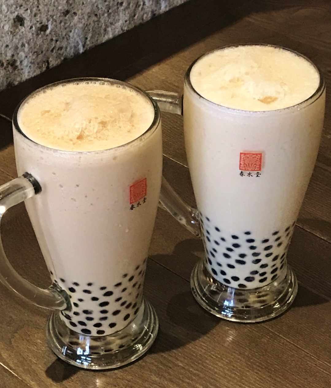 「グランフロント大阪店」の限定商品『メガタピオカミルクティー』