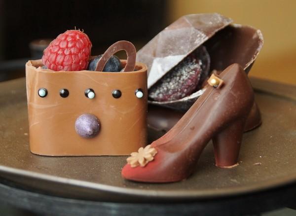 ブラジル産カカオ62%チョコレートとライムキャラメルのハイヒール型ボンボンショコラ