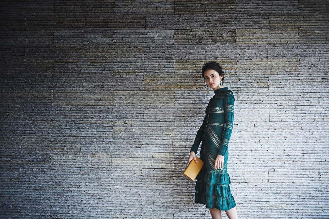 式場形態の選択だけで、会場にふさわしいドレスを検索可能!…