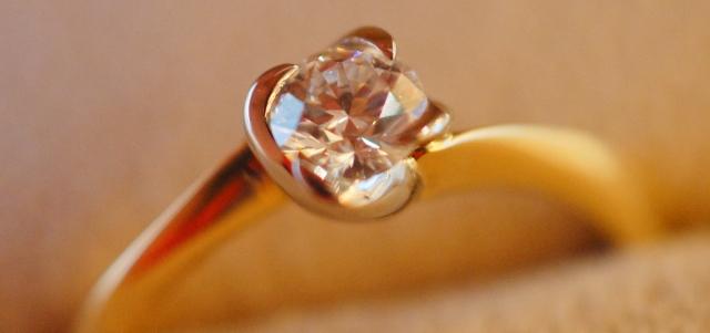 婚約指輪 メーカー 小売 卸