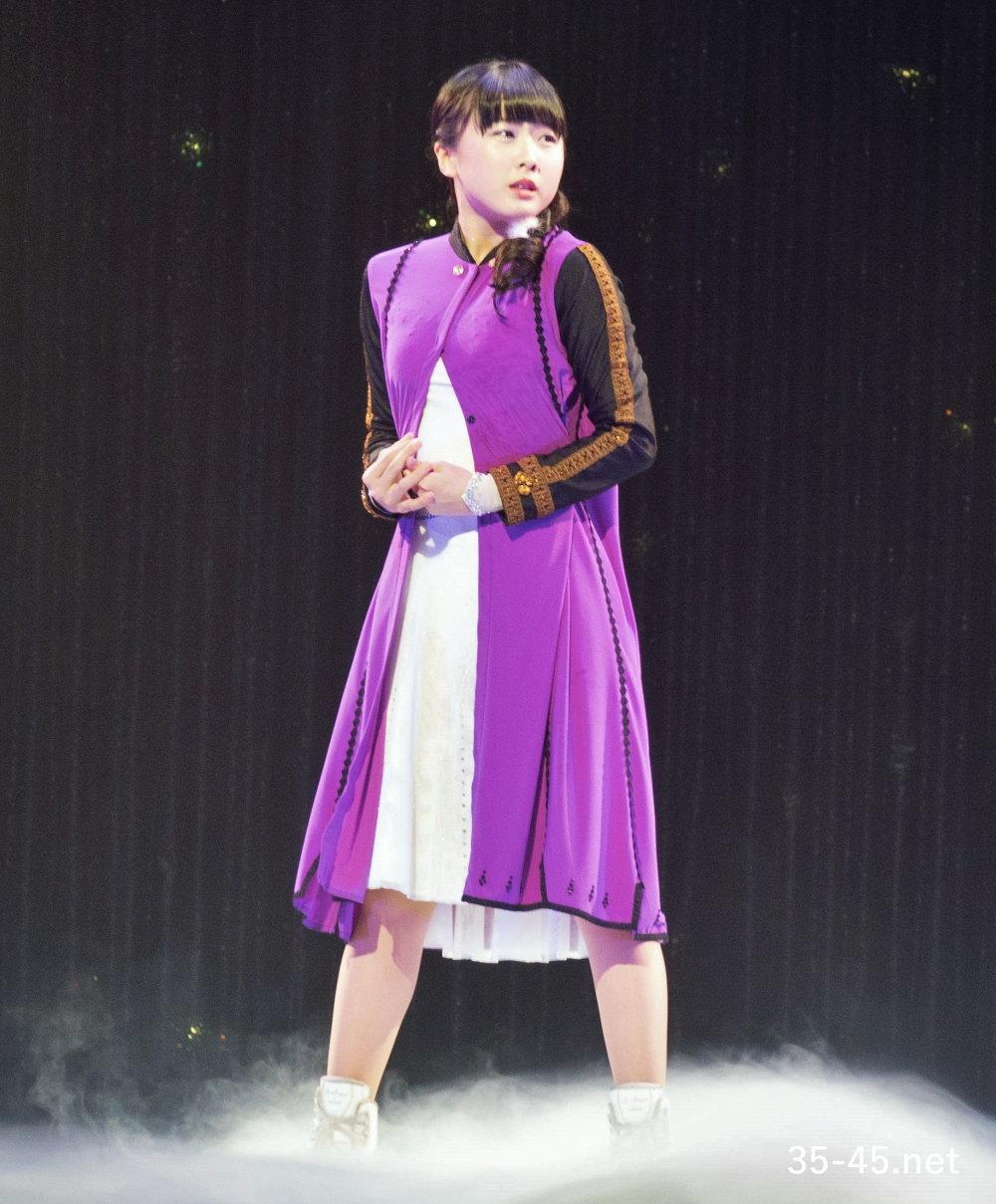 アナの衣装を着る本田望結