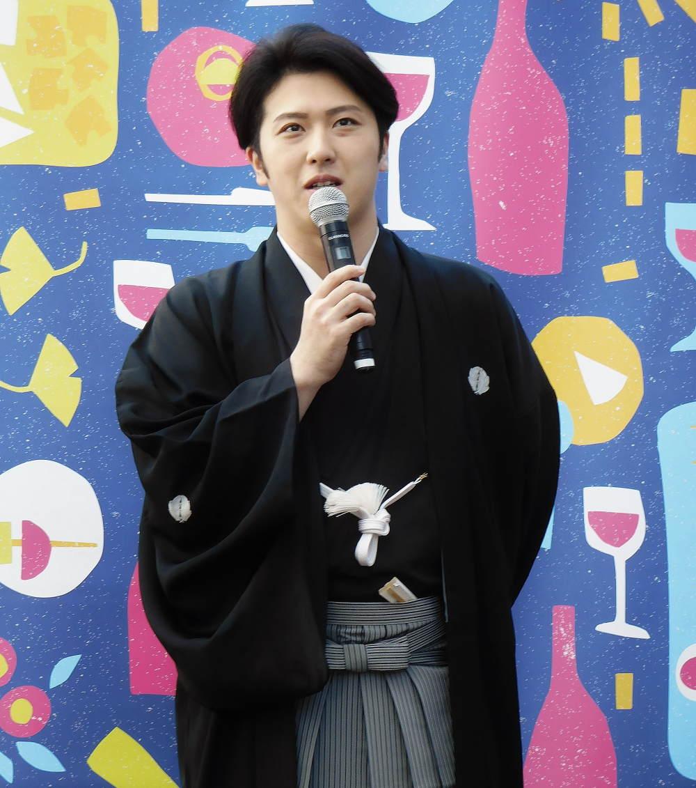 ワインにケーキ、スイーツを合わせるのが好きな尾上松也さん