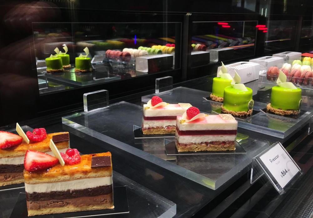 ブボバルセロナのプチガトー ケーキ