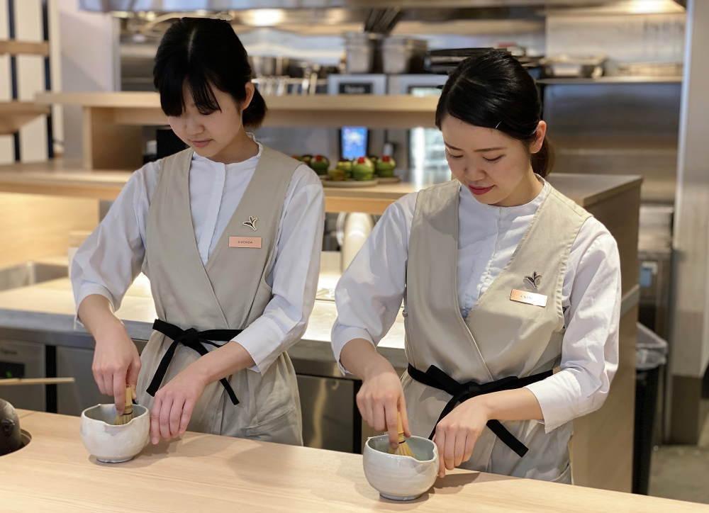 茶バリエ(プロ)が一煎ずつたてる抹茶