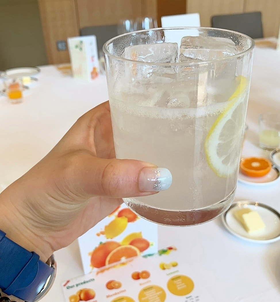 チリ産レモン果汁たっぷりのレモンサワーがウ エルカムドリンクに