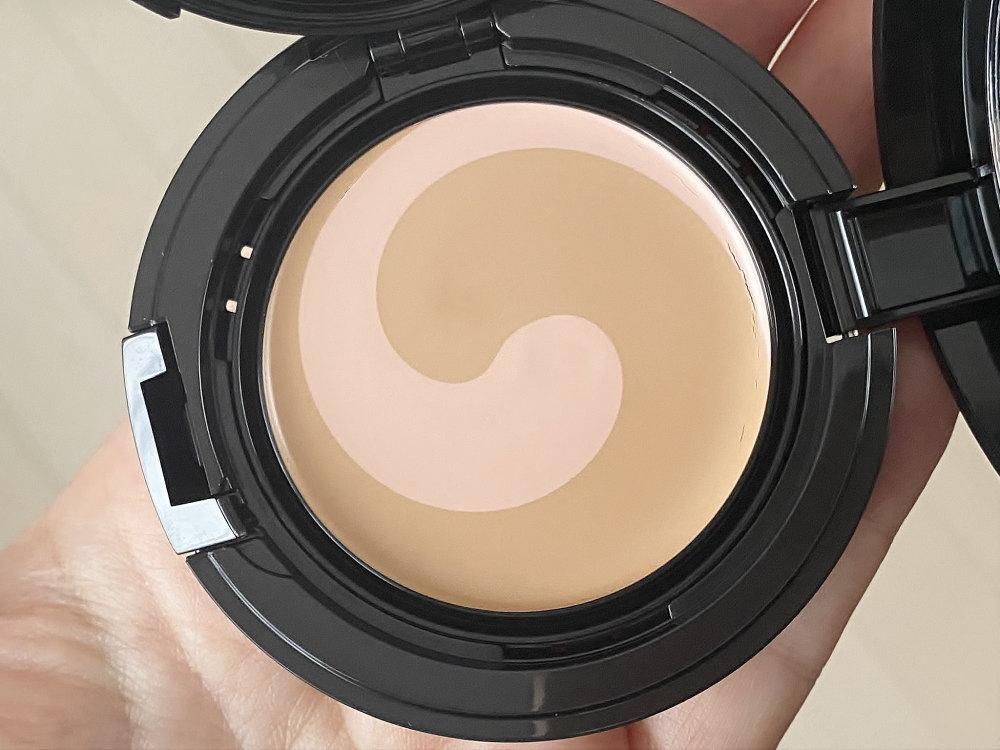 モイスチャーロゼファンデーション UV 中身 2色のバーム