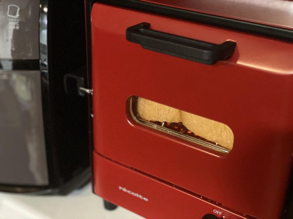 トーストを焼く