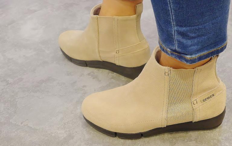 stretch sole wedge bootie w