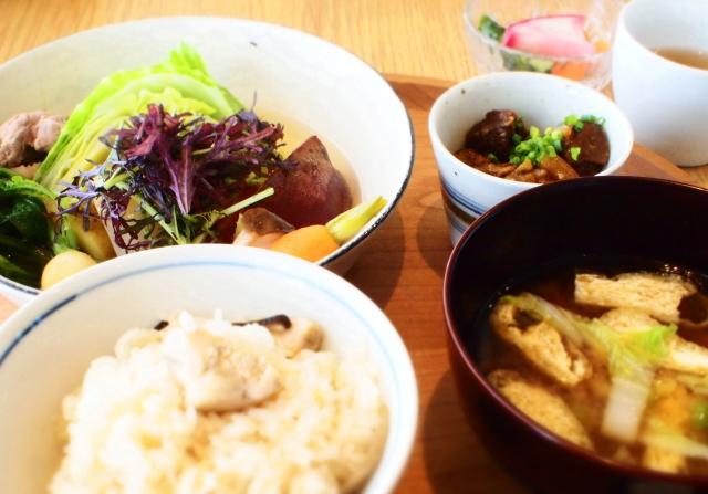 大阪 煮物 ランチ
