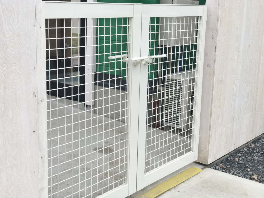 ドッググランピング京都天橋立 犬が出ないゲート