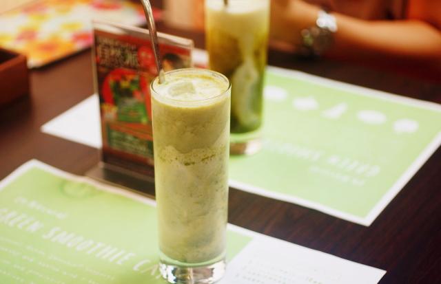 グリーンスムージー 豆乳 ヨーグルト