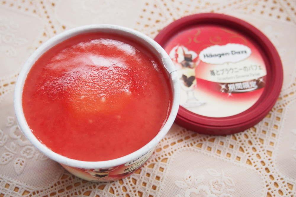 ミニカップ『苺とブラウニーのパフェ』口コミ