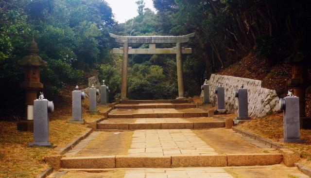 白兎神社 参道 うさぎ 石像