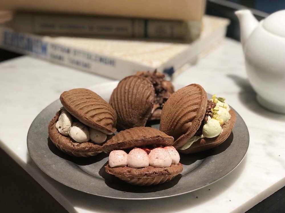 チョコレートスイーツ「ショコラモワルーサンド」