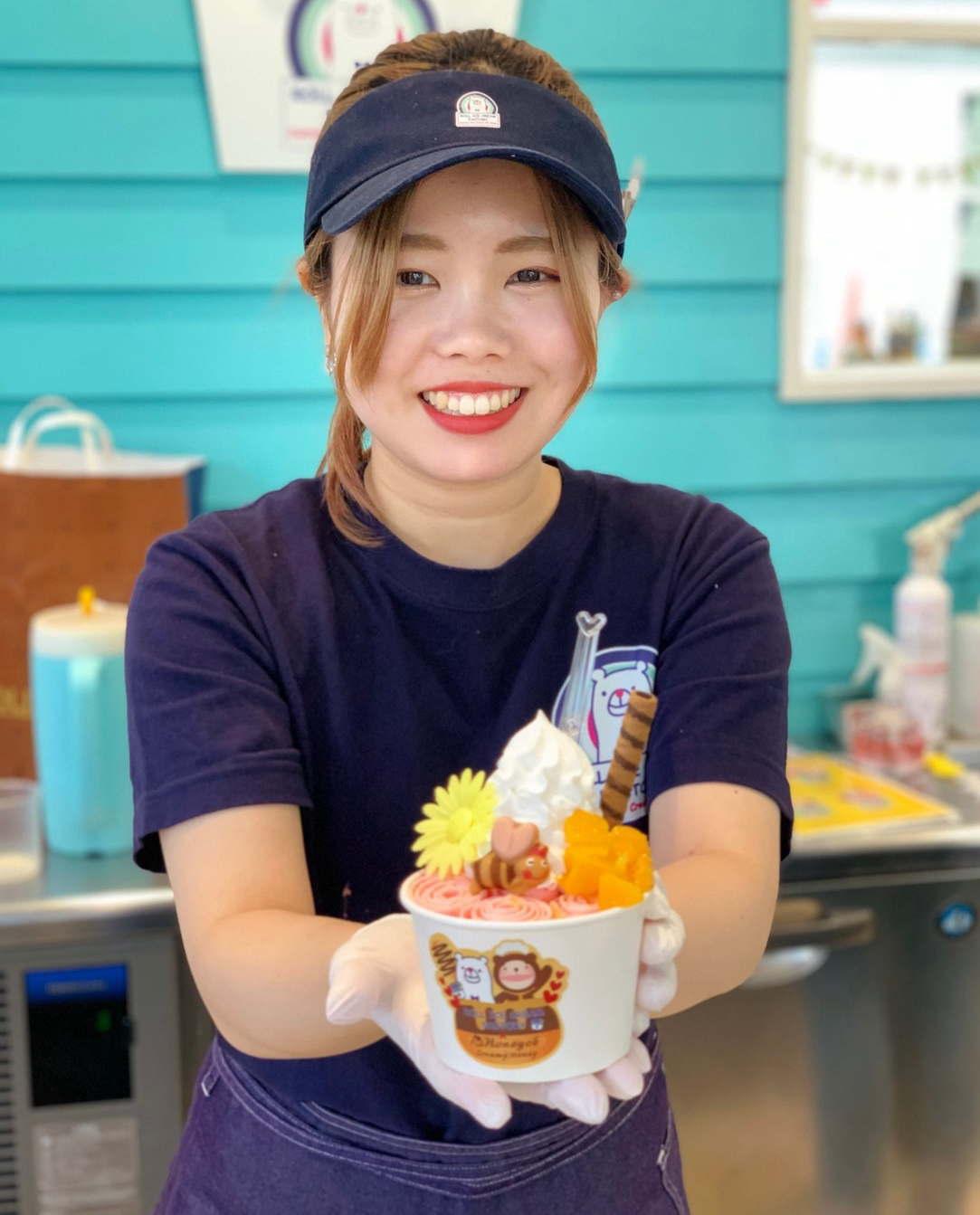 ロールアイスクリーム専門店「ロールアイスクリームファクトリー」