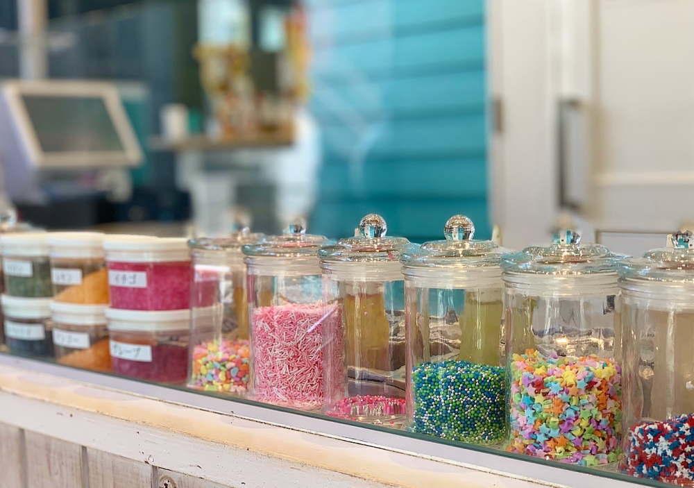 ロールアイスクリーム専門店「ロールアイスクリームファクトリー」店内の様子