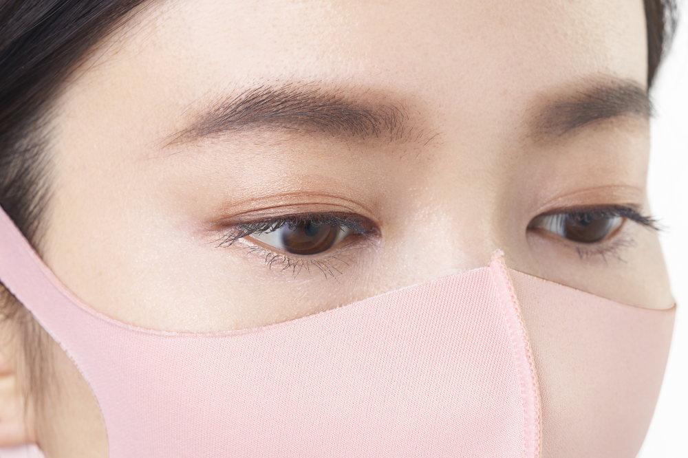 ピンク色のマスク