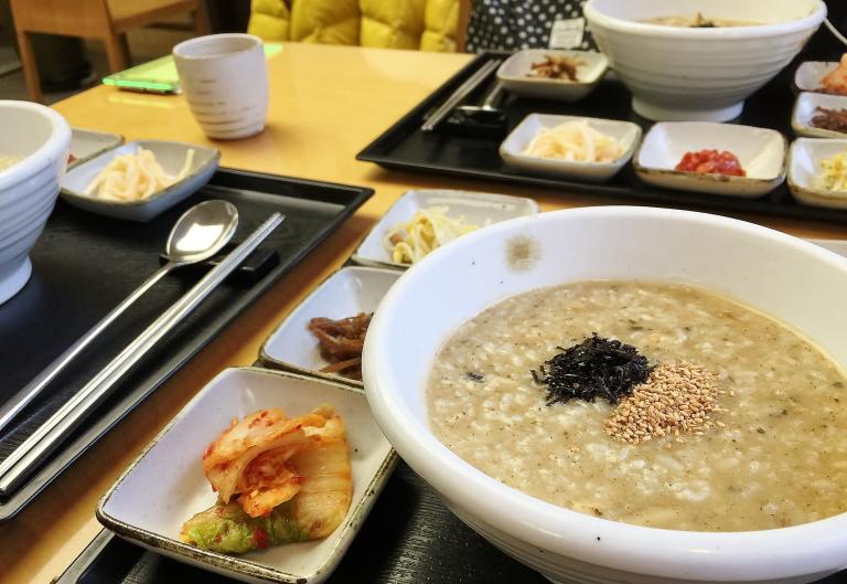 韓国 ソウル 明洞 おすすめ あわびのお粥