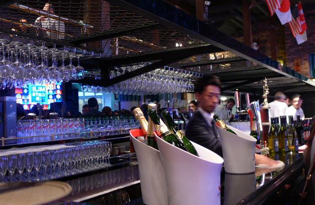 MLB cafe TOKYO東京ドームシティ店 バーカウンター