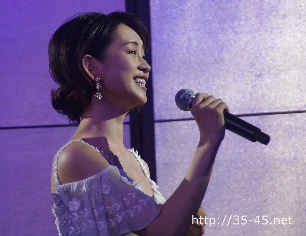 ヒロインのクリスティーヌ役 には、元 宝塚歌劇団月組トップ娘役 愛希れいか