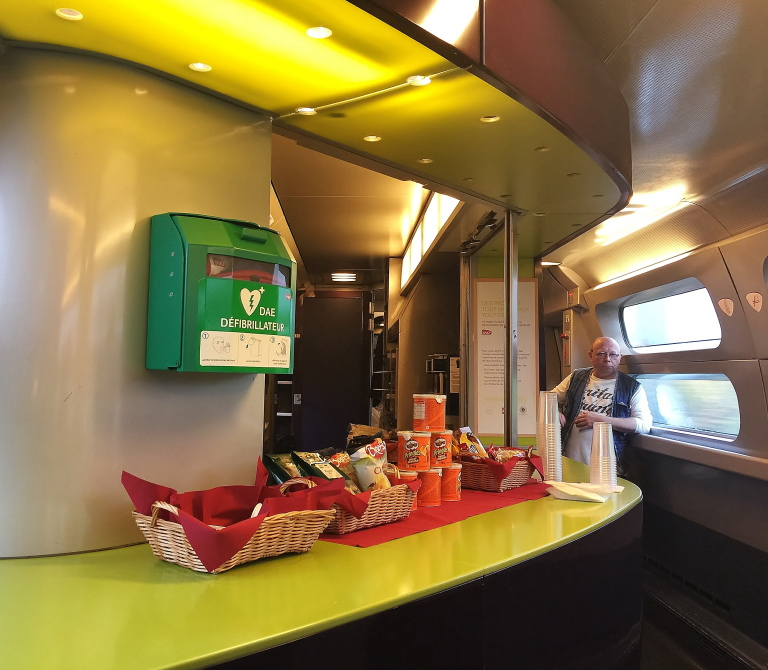 パリ ブリュッセル タリス 食堂車
