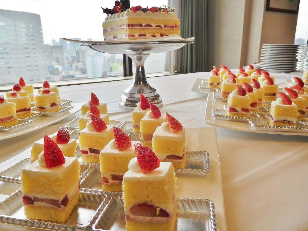 ロイヤルパークホテル クリスマスケーキ試食会の様子