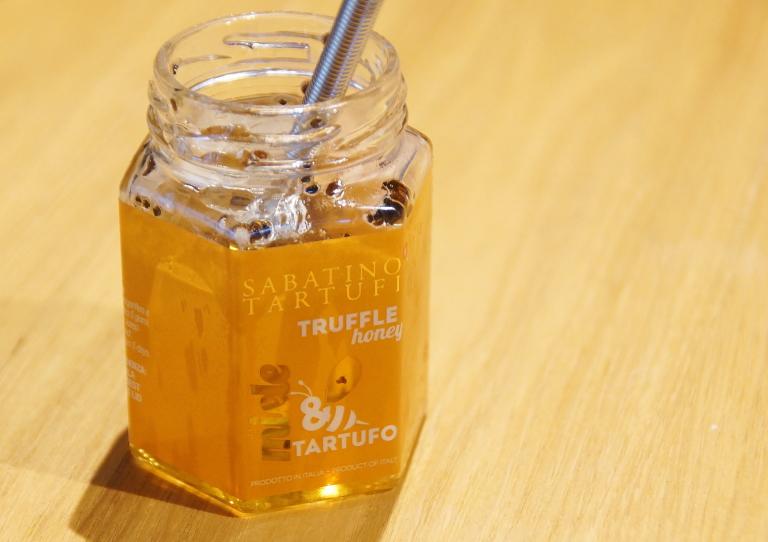 サバティーノ社 トリュフ蜂蜜