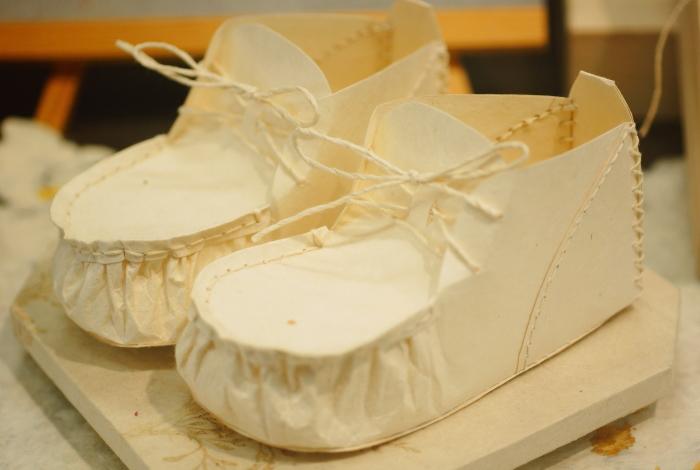 赤ちゃんお祝い 紙でできた靴