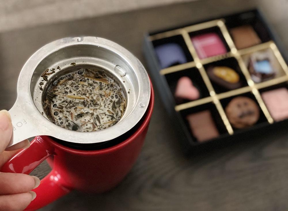 チョコと合うのはほうじ茶