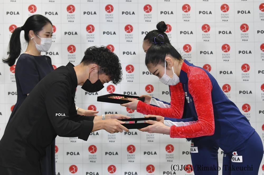 新体操日本代表「 フェアリー ジャパン POLA 」団体の2021年 贈呈式