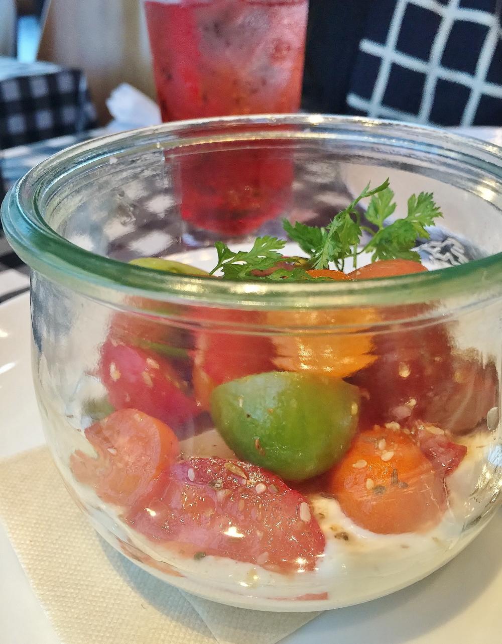 彩りトマト&季節のフルーツのサラダ