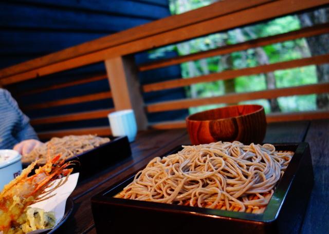 軽井沢 ハルニレテラス 蕎麦