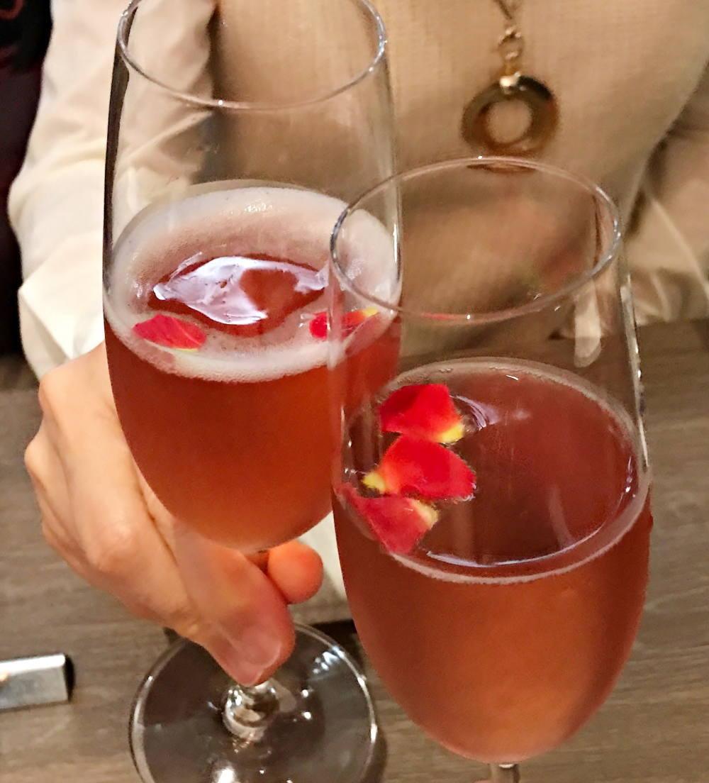 「オリジナルカクテル ローズ香るスパークリングワイン」