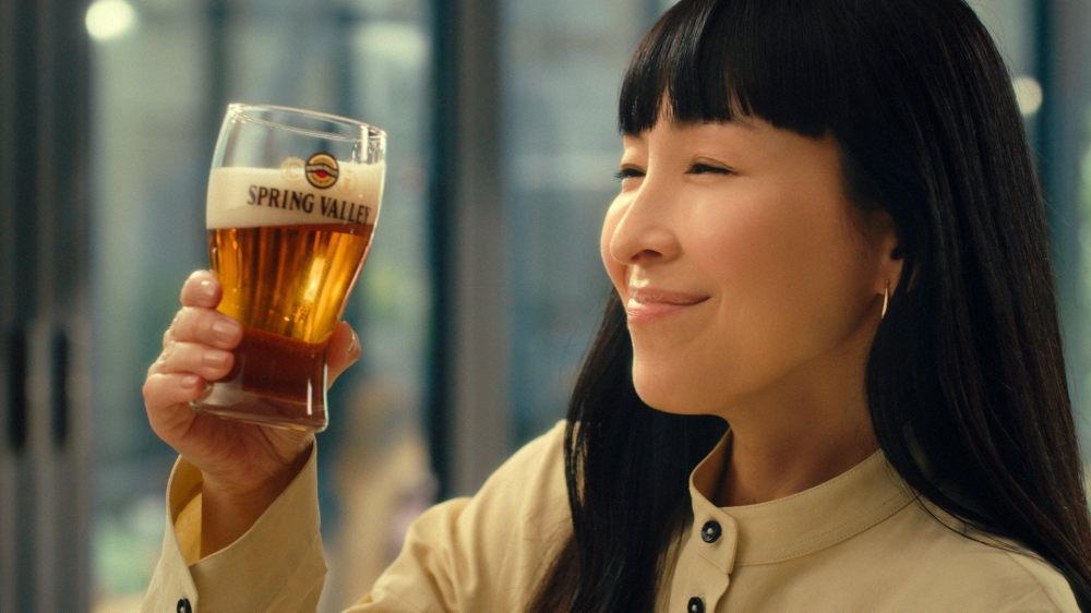 「SPRING VALLEY 豊潤<496>」CMの麻生久美子さん