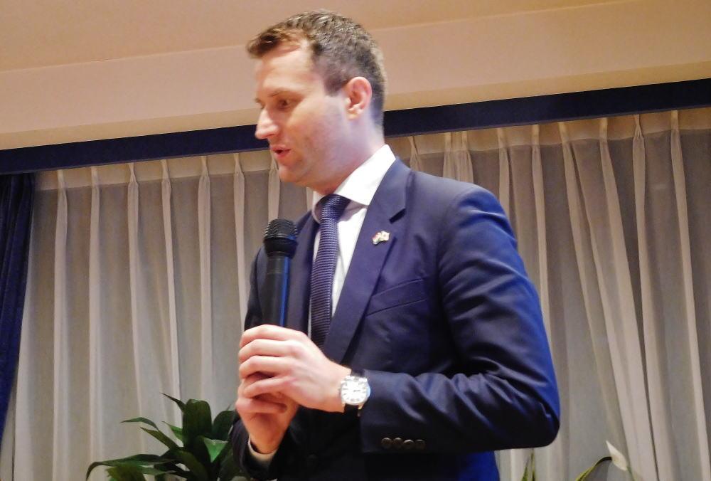 ハンガリー大使