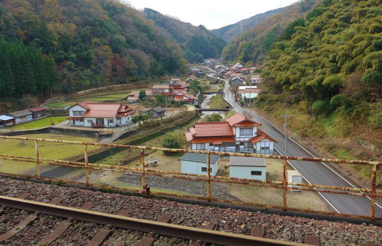 宇都井駅 階段