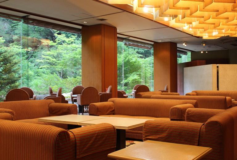 ホテル湯西川 ロビー