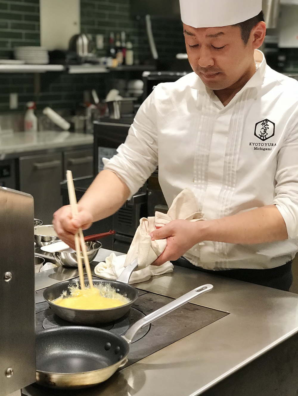 FIFTY FOURTH STATION GRILL 朝ごはん調理の様子